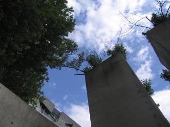 judische-museum-berlin-memorial-garden.jpg