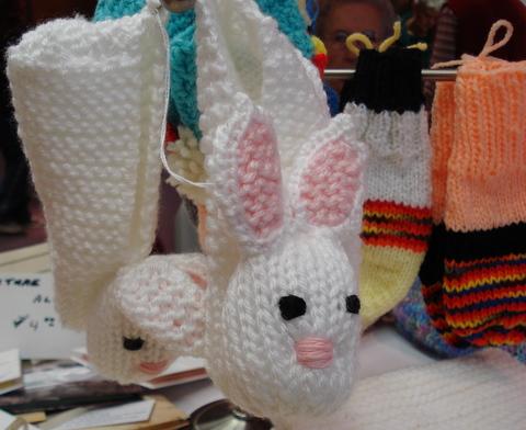 bunny mittens, handknit, Eden United Churchbazaar