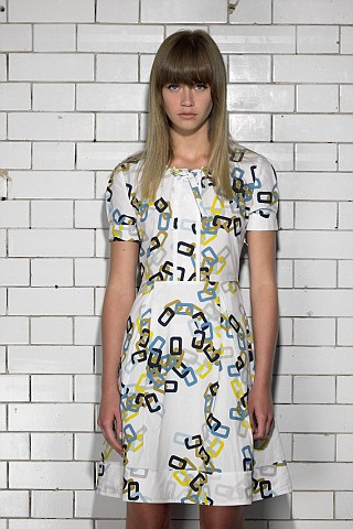 pringle day dress, chain print